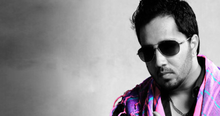 Seems that our controversial king Mika Singh is back with a new controversy!